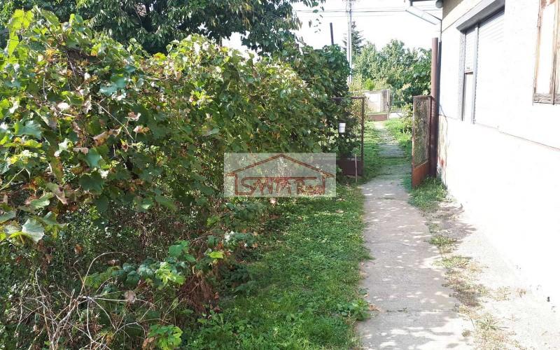 Ponúkame predaj staršieho vidieckeho domu v Starom Tekove