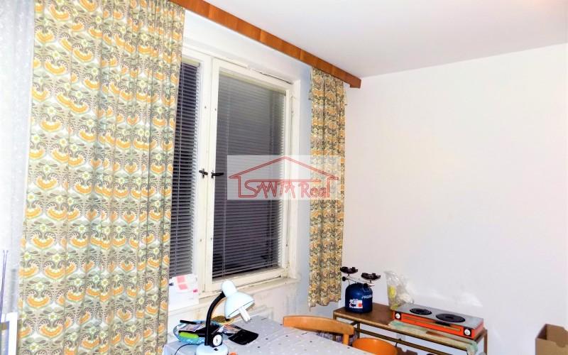 Ponúkam predaj 1 izbového bytu v centre mesta, Levice