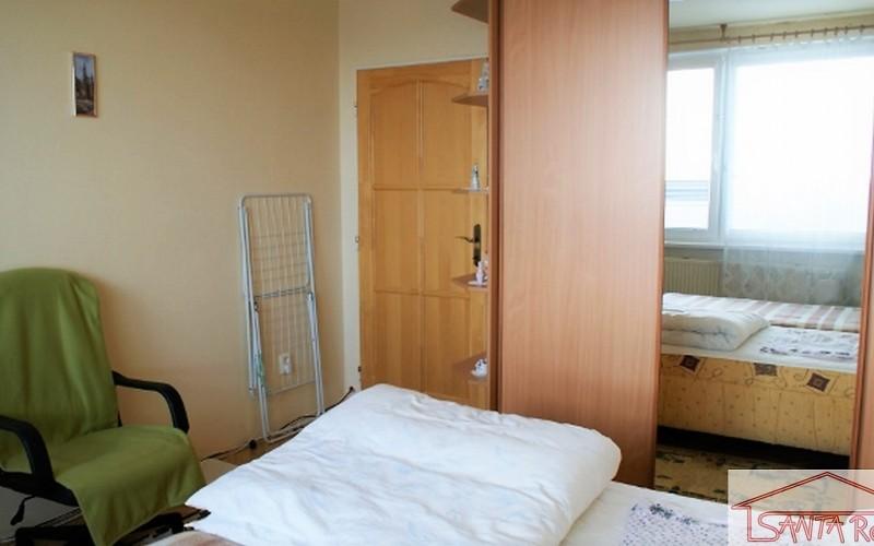 Prenájom 2 izbového bytu, v centre, Levice