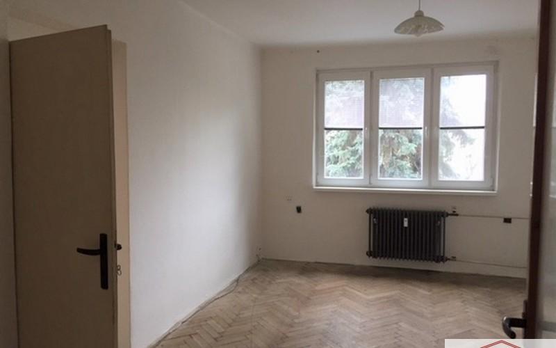 Predáme 2 izbový byt v dobrej lokalite neďaleko centra